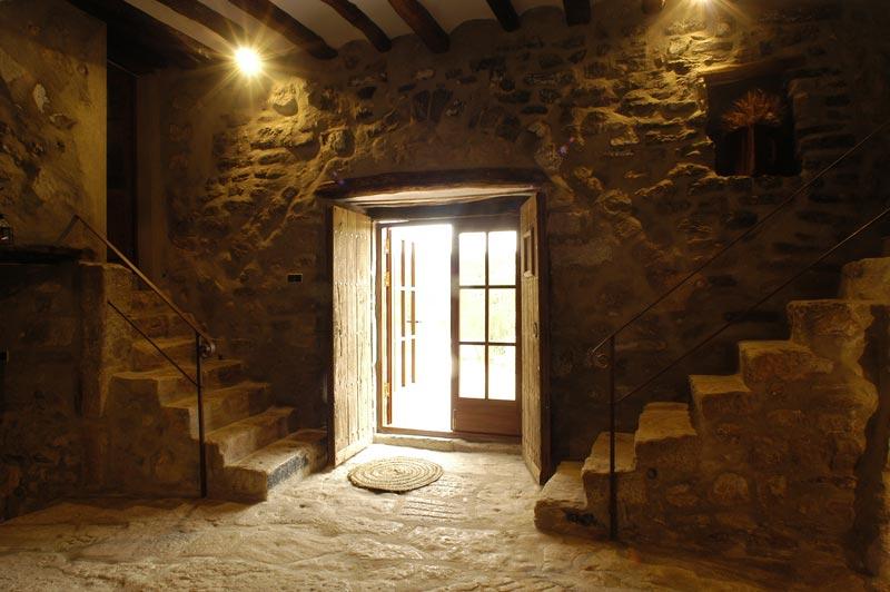 Pensiones hostales casas rurales baratas for Casas baratas en barcelona